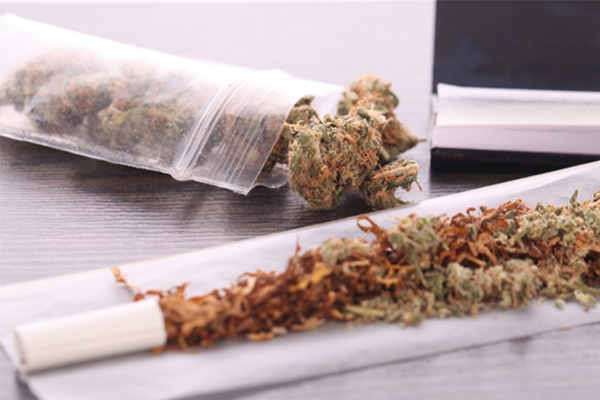 Le Tabac Rend-Il Le Cannabis PLus Addictif?
